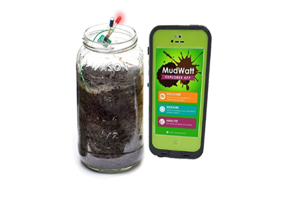 MudWatt Clean Energy From Mud - Sounds mad? doesn't it? But this science kit for 8 year olds to 10 year olds really does teach kids how you can get energy from mud!