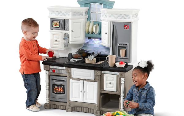 Step 2 Lifestyle Dream Kitchen - With very realistic oven, cupboards, stove top and sink.