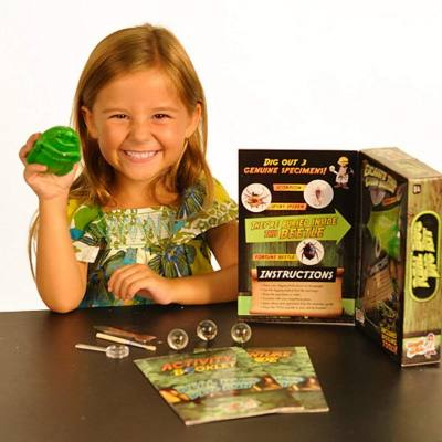 "Archaeology science kit for kids - real bug digging - Here's a kit for your future paleontologist. Kids learn how to ""dig"" and at the ened, they get their own bug!"