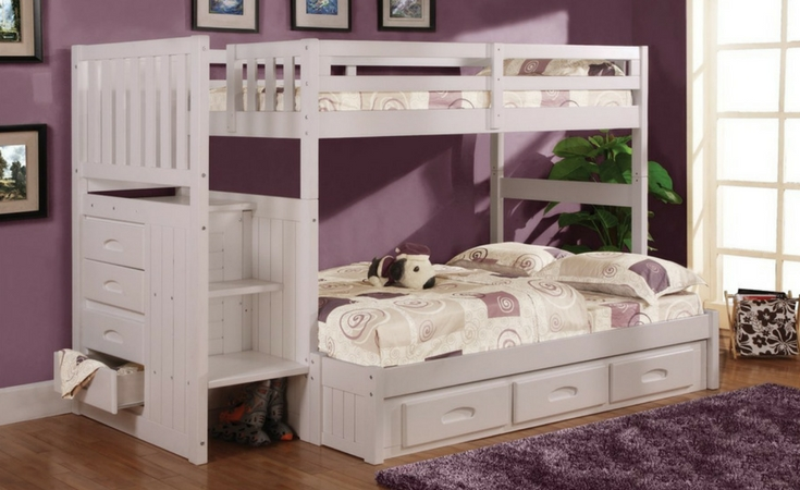 Classic white bunk bed with 4 storage areas on the side. 2 beds of different sizes: twin and full size. Also has an optional space for 3 additional drawers or a trundle bed.
